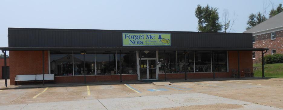 Consignment Antiques, Furniture, and clothing at Forget Me Nots Brandon, MS
